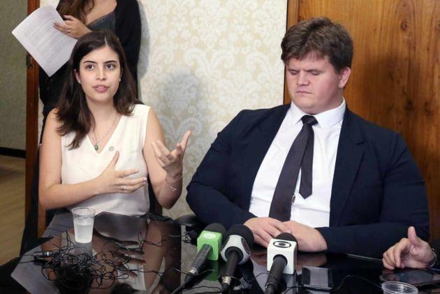 Os deputados Tabata Amaral e Felipe Rigoni receberão o abaixo-assinado criado por Beatriz Munhoz...