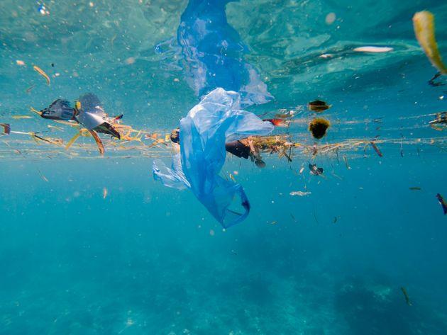 海洋汚染のイメージ写真