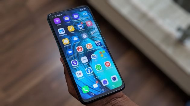 The Vivo Z1 Pro comes with an insane number of preloaded apps — some of which can't be