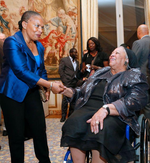 La ministre de la justice Christiane Taubira en présence de l'écrivaine américaine...