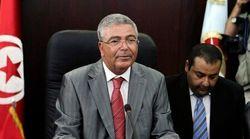 Élection présidentielle: Le ministre de la Défense Abdelkrim Zbidi dépose sa candidature à l'ISIE et annonce sa