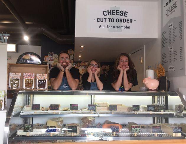 «De quelle façon pourrais-je vendre des morceaux de fromage à 10 dollars tout en...