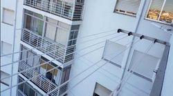 Una menor de 14 años se aferra al tendedero de un cuarto piso para evitar ser violada por su