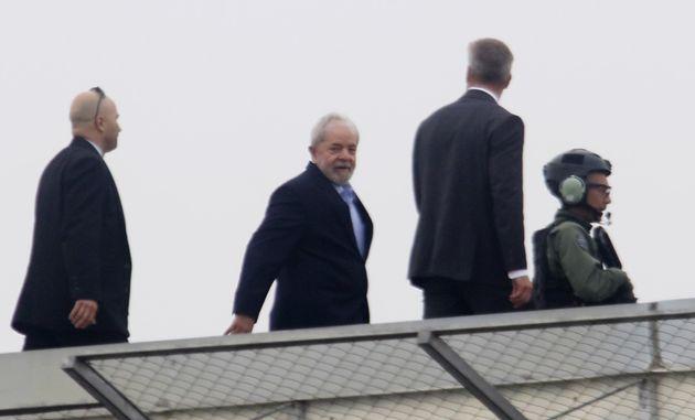 Lula cumpre pena desde abril do ano passado após condenação no processo do tríplex...