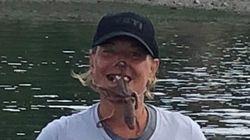 '웃기는 사진' 찍으려고 문어를 얼굴에 붙였다 벌어진