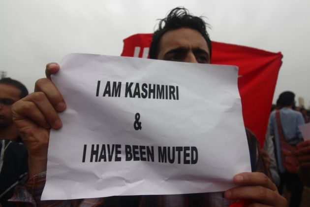 Kashmir's News Outlets Remain Muzzled As Shutdown Enters Day