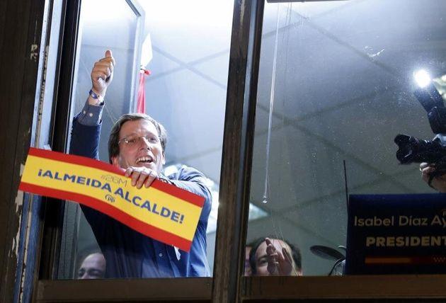 El PP anuncia que no contratará en Madrid