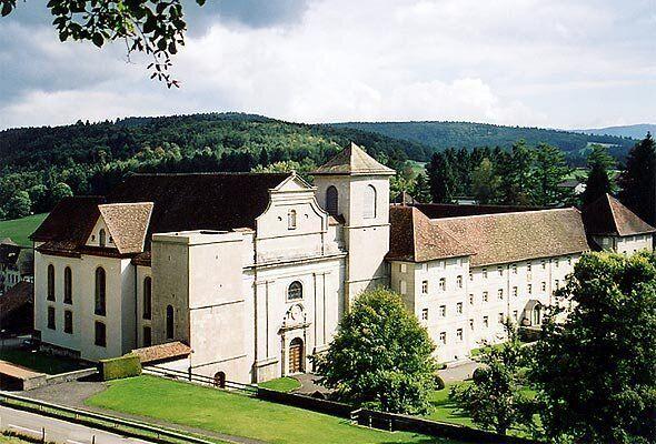 Vacanze in monastero, la top 10 delle mete benedette più gustose