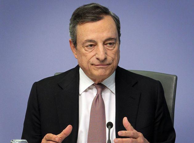 Draghi prepara il bazooka ma i titoli di Stato pagano la crisi Lega-5Stelle. Sale lo