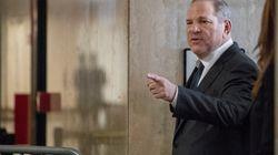 Un juez prohíbe a Harvey Weinstein viajar a