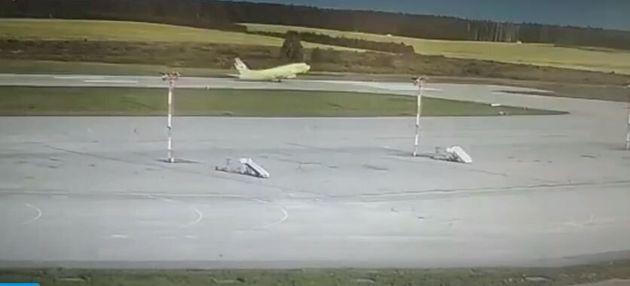 Παρολίγον τραγωδία: Ρωσικό Boeing κόντεψε να χάσει τον έλεγχο στην
