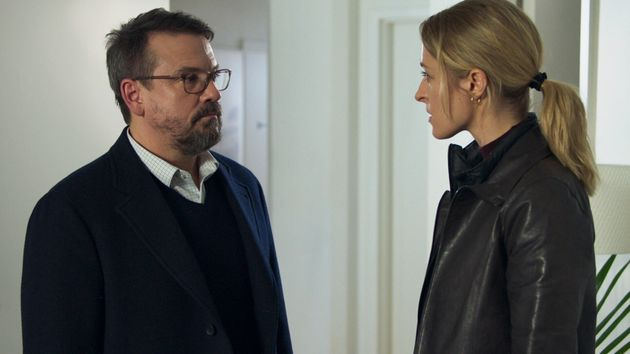 La série est portée par deux acteurs de haut niveau: Claude Legault et Christine