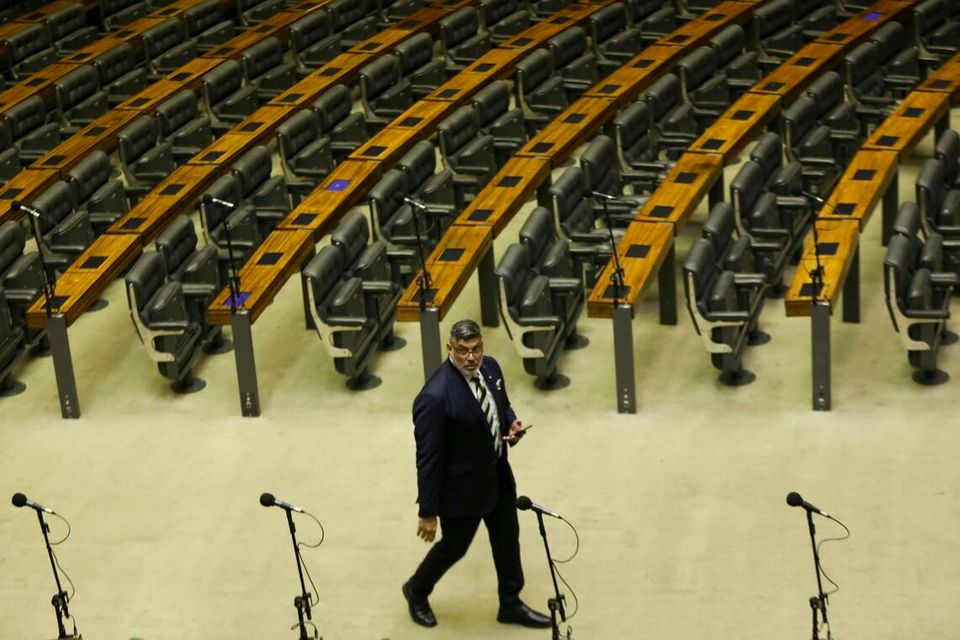 Frota se absteve no 2º turno da votação da reforma da Previdência para
