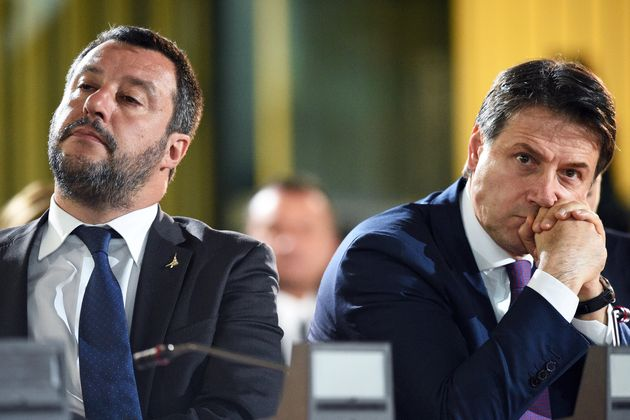 Photo d'illustration de Matteo Salvini (à gauche) et Giuseppe Conte (à