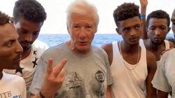 Richard Gere sur l'Open Arms pour soutenir les 121 migrants bloqués à bord depuis une
