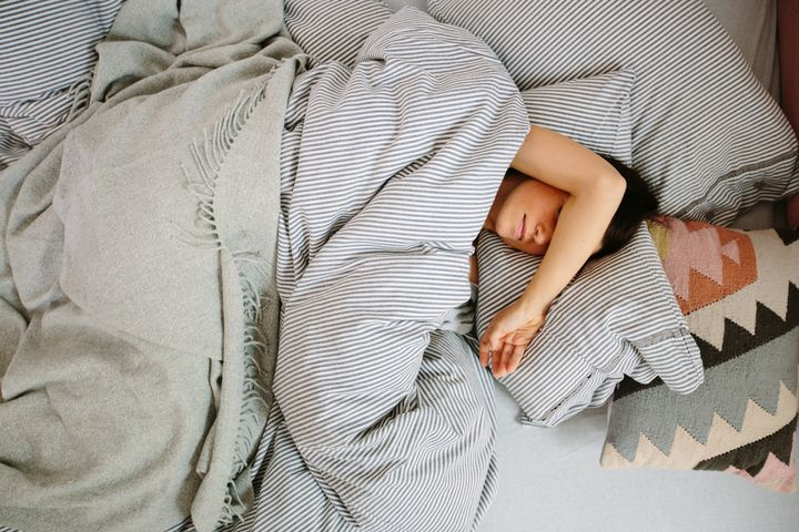Why You Can't Sleep Without A Blanket Or Sheet, Even If It's