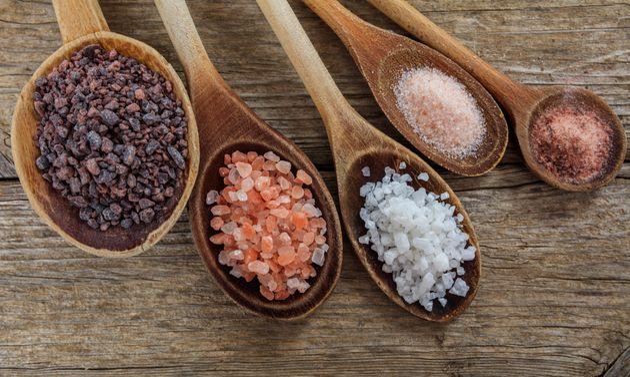 Refinado, Himalaia, marinho... Afinal, investir em sal 'especial' traz benefício à
