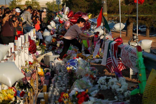 22 personnes sont mortes dans la fusillade d'El Paso au Texas, dont 8 Mexicains etune majorité...