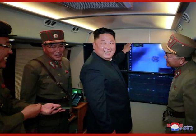 (자료사진) 북한이 16일 사이 다섯 번째로 발사체를