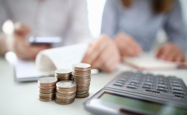 Ecco il costo della crisi di governo: ogni famiglia pagherà 541 euro in più all'anno per l'aumento