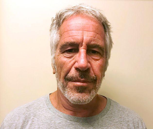 Une photo non datée deJeffrey Epstein tirée du registre des délinquants sexuels...