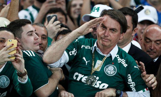 Articulista vê conquistas do governo Bolsonaro, mas critica postura do presidente de