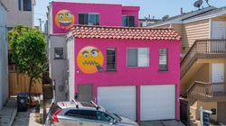 Après une dispute de voisinage, elle repeint sa maison en rose et avec des énormes