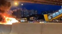 Αυτοκίνητο της Tesla εκρήγνυται σε κεντρικό δρόμο της