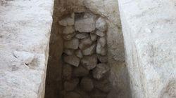 Ανακάλυψη δύο ασύλητων μυκηναϊκών τάφων στη