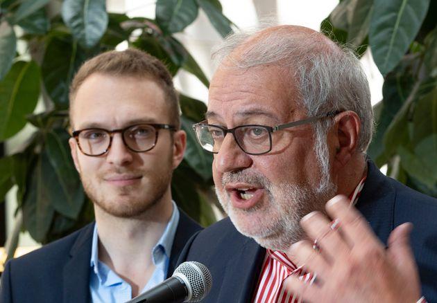 Pierre Arcand (droite), le chef par intérim du Parti libéral du