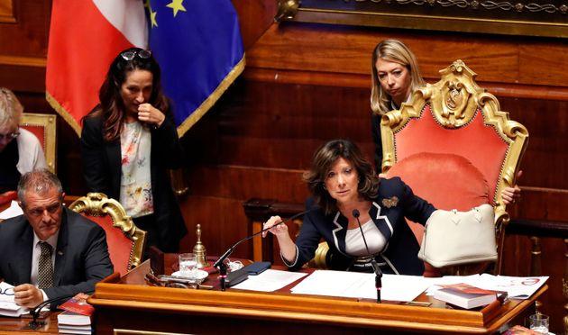 Casellati accelera, ma Pd e M5S preparano lo sgambetto. Giuseppe Conte al Senato il 20