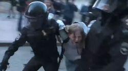 Ρωσία: Οργή για το βίντεο-σοκ με τον αστυνομικό να γρονθοκοπά
