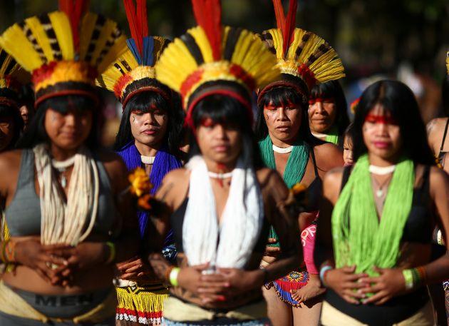 A organização informa que cerca de 1.500 mulheres de 110 aldeias do Brasil participam da 1ª Marcha das Mulheres Indígenas no País.