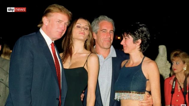 Donald Trump, Melania Trump, Jeffrey Epstein et Ghislaine Maxwell lors d'une