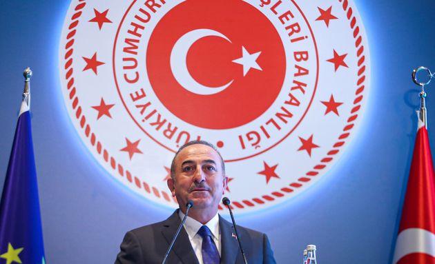 Ο Τούρκος ΥΠΕΞ χαιρέτισε...