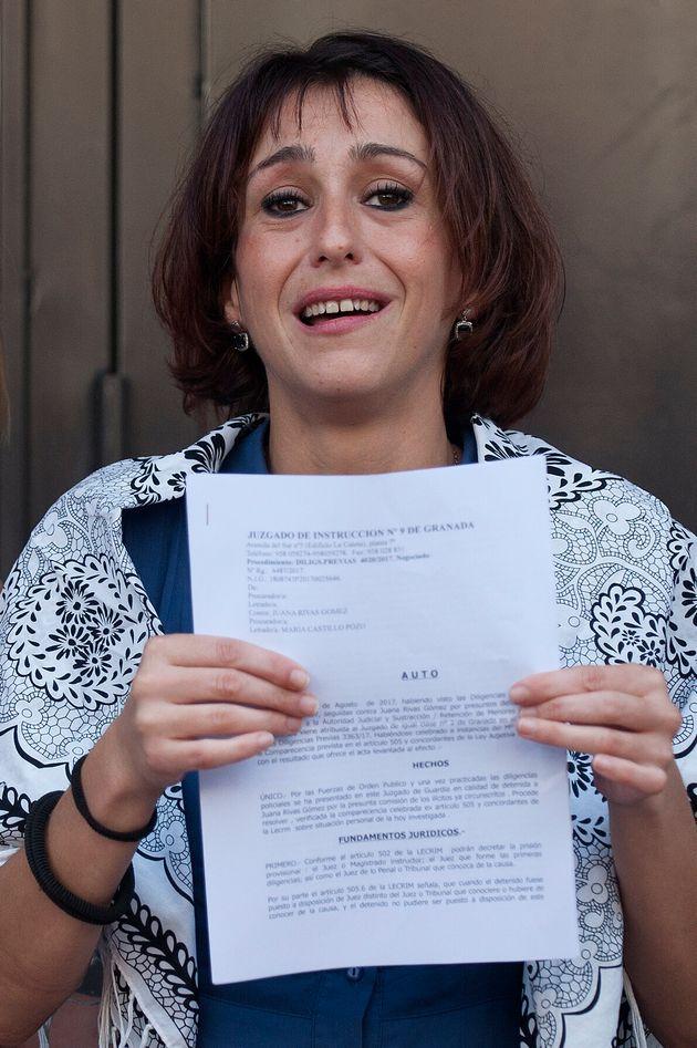 Juana Rivas, el 22 de agosto de 2017, tras salir en libertad sin fianza en los juzgados de