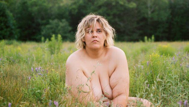 Safia Nolin se met à nu dans le clip de la chanson «Lesbian Break-Up