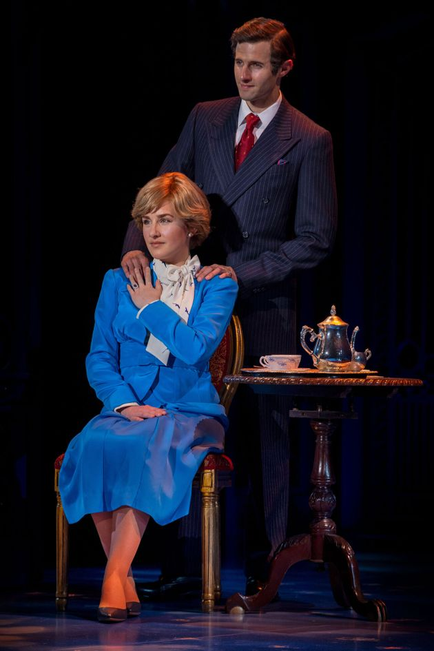 Jeanna de Waal andRoe Hartrampf star as Princess Diana andPrince Charles in