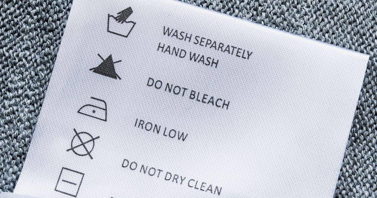 Posso colocar na máquina as roupas que devem ser lavadas à mão?