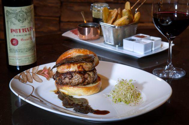Conheça Fleur Burger, o luxuoso hambúrguer que custa o equivalente a R$ 20