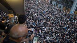 El aeropuerto de Hong Kong recupera aparentemente la normalidad tras dos días de cierre