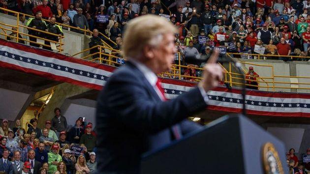 Trump relâche la pression commerciale sur la Chine et le consommateur