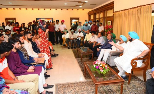 Punjab Chief Minister Amarinder Singh hosted Kashmiri students for lunch at Punjab Bhawan in Chandigarh...