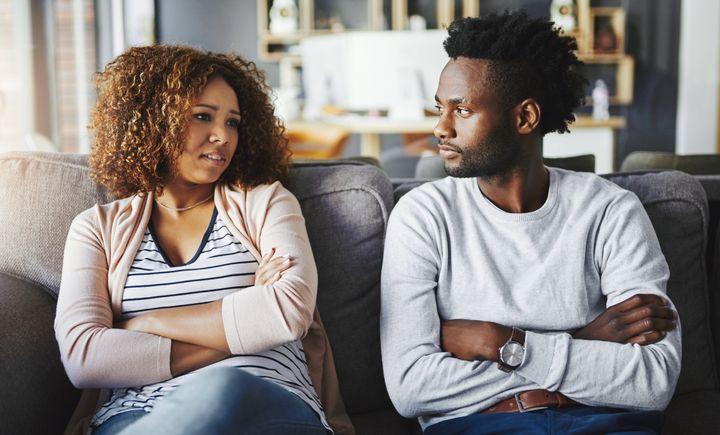 As críticas podem ter vários efeitos negativos no relacionamento.
