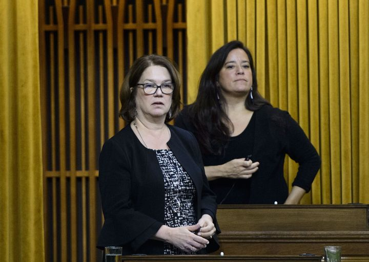 Independent MPs Jane Philpott andJodyWilson-Raybouldvote in the House of Commons on April 9, 2019.