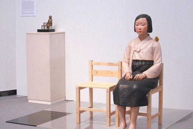 소녀상 철거한 일본 전시 해외작가 취소 12명으로 늘었다