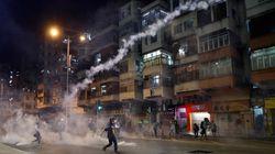 Κινεζικά στρατεύματα συγκεντρώνονται στα σύνορα του Χονγκ
