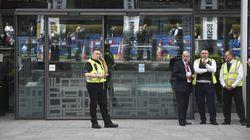 Un homme poignardé devant le ministère de l'Intérieur britannique, le bâtiment