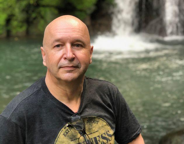 Patrick Rothlisberger est bénévole pour Suicide Action Montréal depuis deux ans...