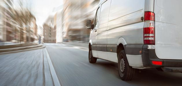 Una mujer muere atropellada por su furgoneta, que iba sin frenos marcha